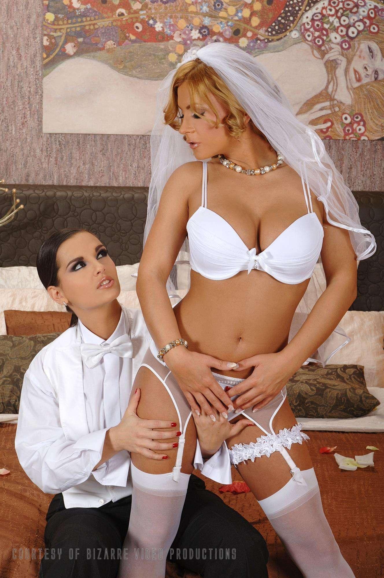 Свадебная ночь лесбиянкой 5 фотография