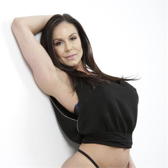 Kendra Lust signed an exclusive deal with ArchAngel for one year contract.